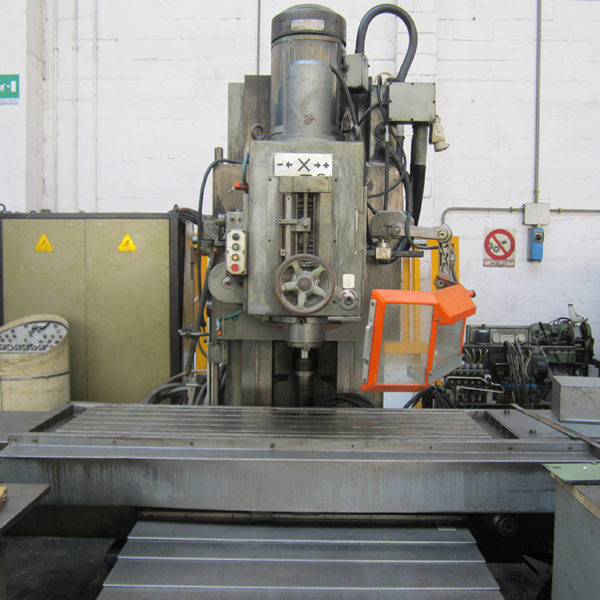 Fresatrice A CNC Usata Rigiva