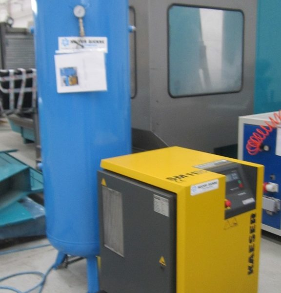 Compressore A Vite Usato Kaeser Modello SM 11